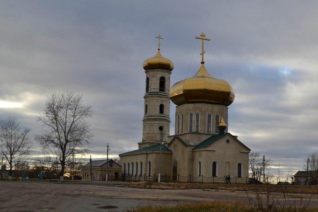В селе Петровское Увельского района строят водопровод
