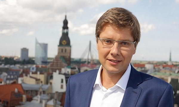 Бывший мэр Риги Нил Ушаков избран в Европарламент