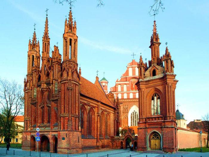 Литва  отзывает  своего посла в Китае для консультаций