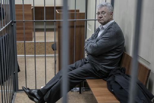 Вынесен приговор бывшему мэру Астрахани  Михаилу Столярову