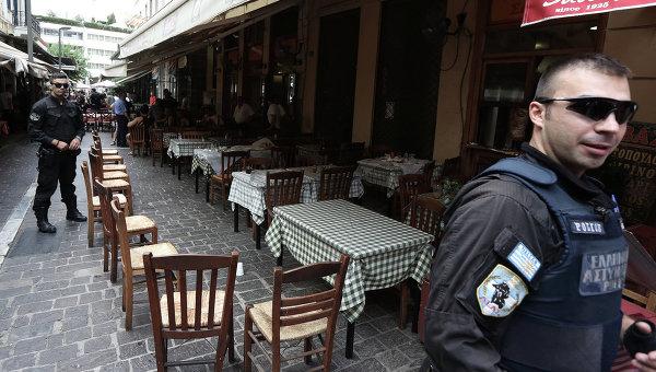 На Кипре посетителей кафе обстреляли из автомата Калашникова