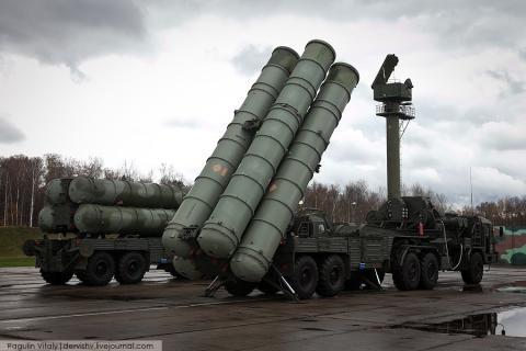 Россия поставит в Китай шесть дивизионов зенитно-ракетной системы С-400 на сумму $3 млрд