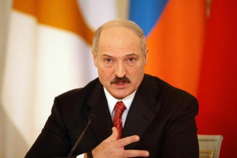 Лукашенко поручил дипломатам переориентировать экспорт товаров