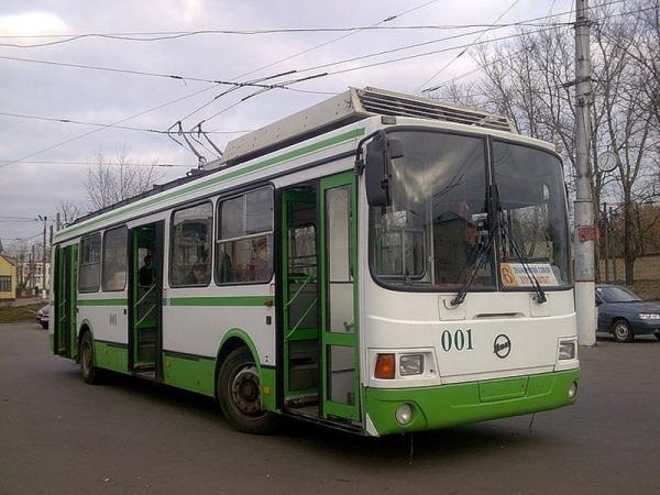Водитель троллейбуса приняла роды у пассажирки