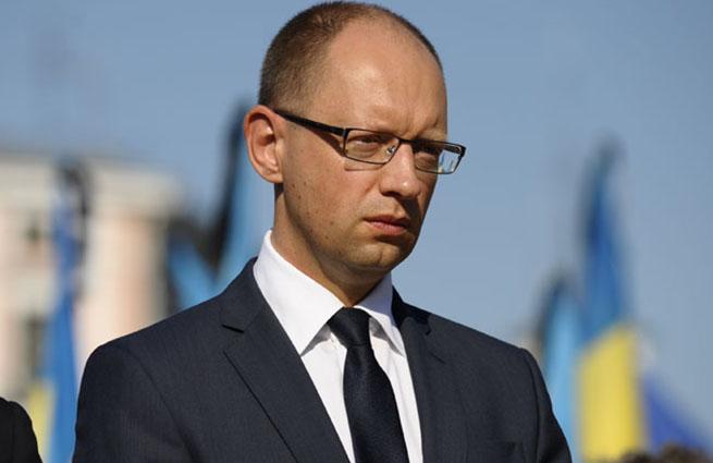 Яценюк: Украина прекратит торговое партнерство с Россией