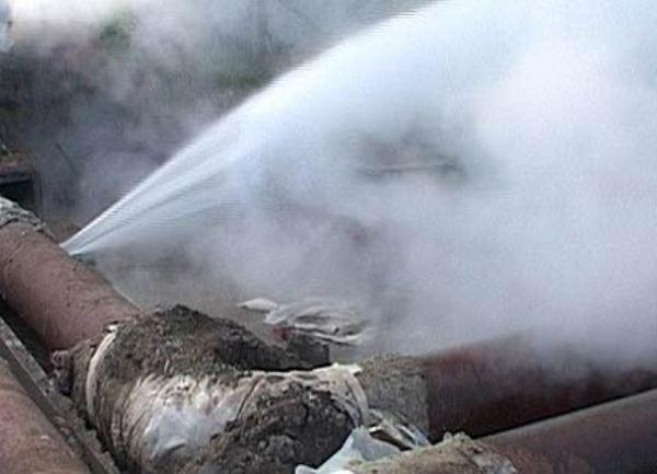 Коммунальная авария в Саратове оставила без воды 220 тысяч человек