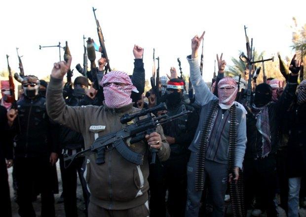 В Сирии около тысячи боевиков сдались в плен с оружием.
