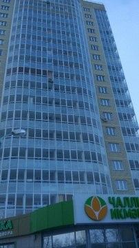 В Челнах 7-летняя девочка упала с 11 этажа на козырек магазина и осталась жива