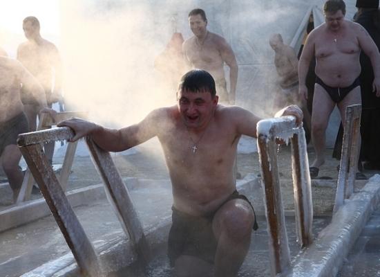 Омскую святую воду признали опасной для здоровья