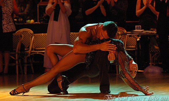 В Алматы начался Фестиваль латиноамериканских танцев