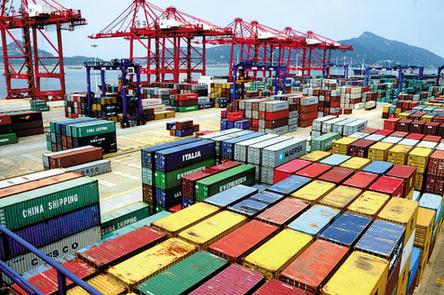 Внешнеторговый оборот КНР в январе-мае снизился на 1,6%, до $1,78 трлн – таможня