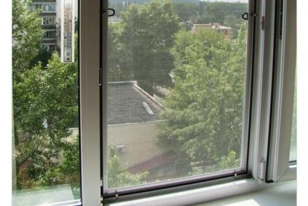 Եկատերինբուրգում պատուհանից աղջիկ է ցած ընկել