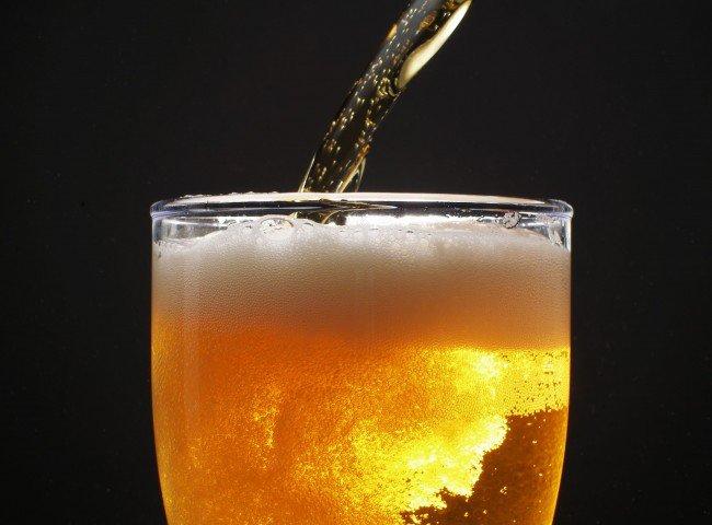 Министру продали пиво в ночном ларьке в Подмосковье