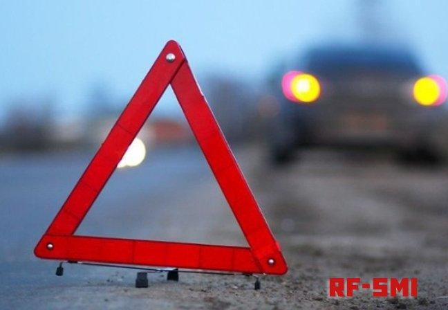 В Москве автомобиль наехал на пешеходов