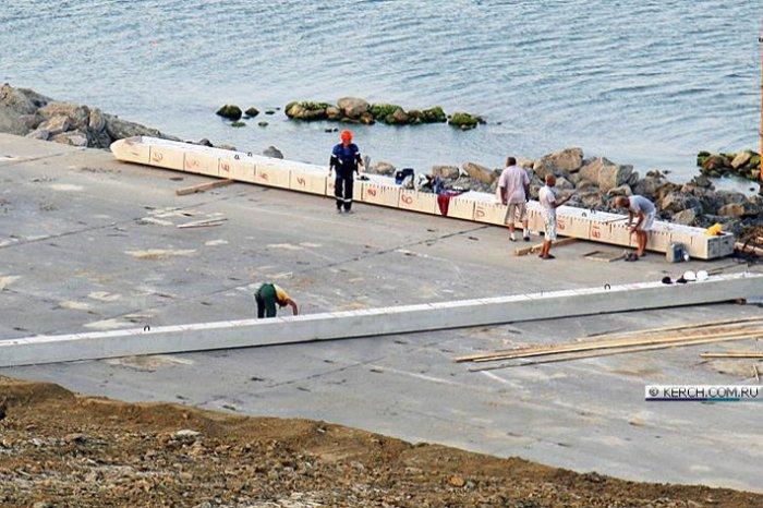 Вчера вечером вбита первая свая Керченского моста.  Строится энергомост в Крым