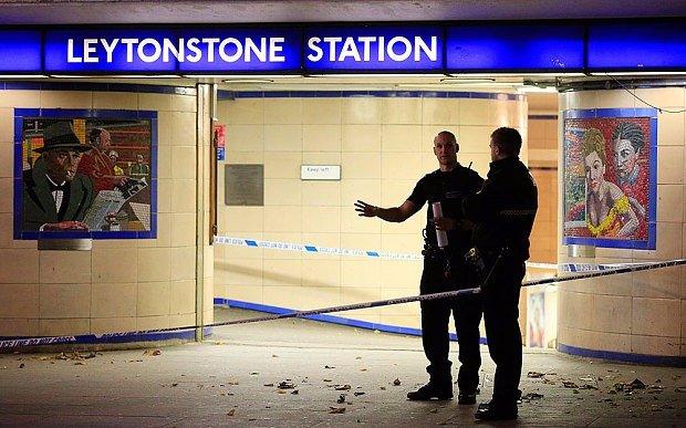 Мужчина с мачете ранил трех человек в лондонском метро