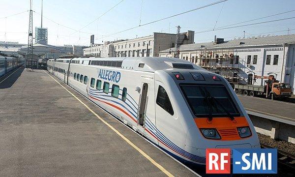 Россияне смогут доехать на поезде из Москвы до Санкт-Петербурга за два часа