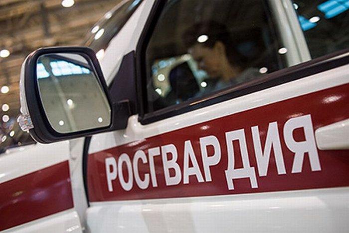 В Тюмени мужчина открыл огонь по сотрудникам Росгвардии, один из них ранен