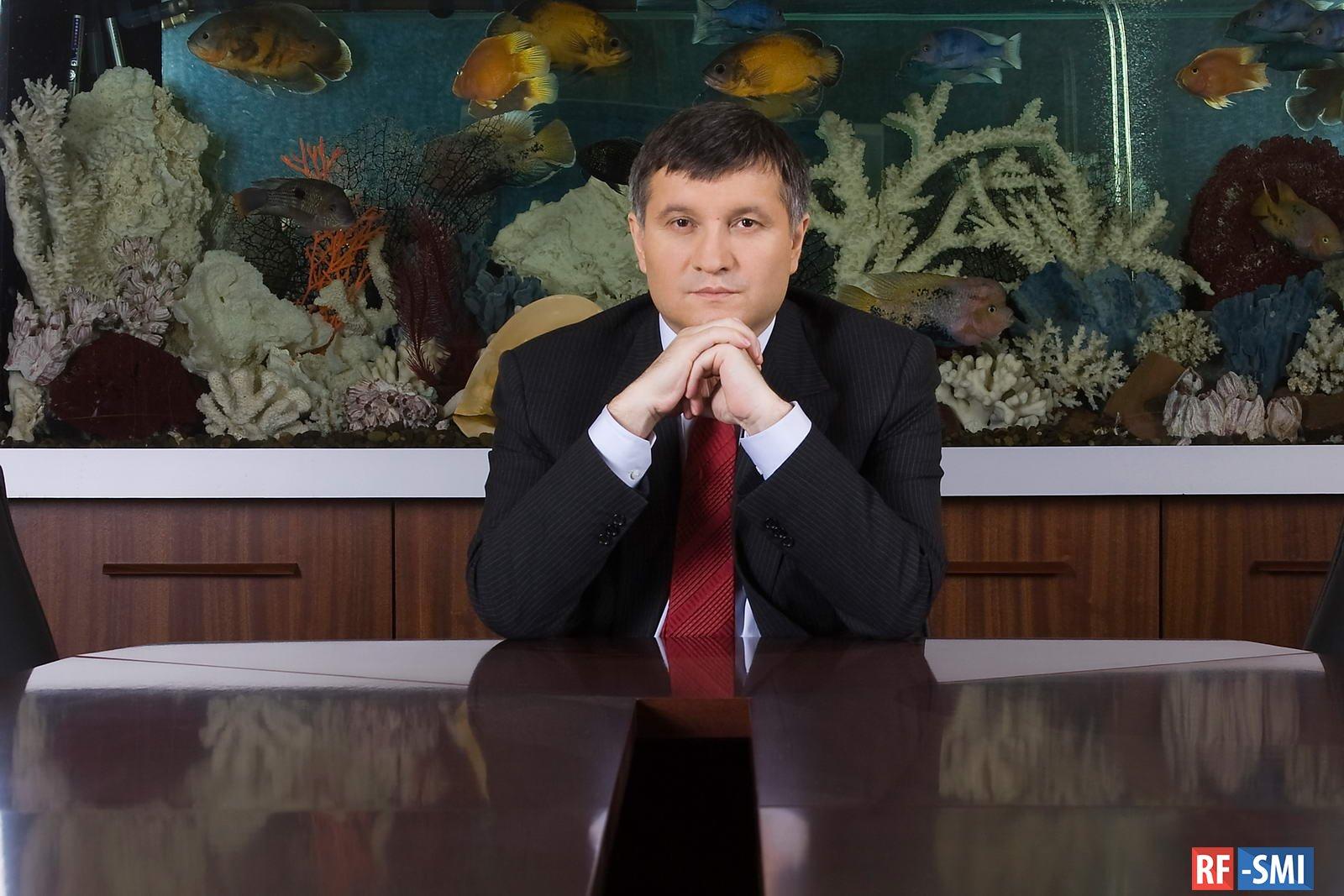 Киев полностью останавливает пассажирские перевозки - Аваков