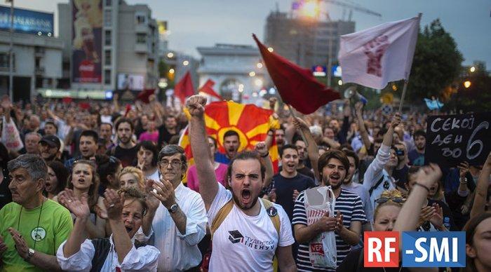 Македонский премьер-министр: боюсь Москвы, но лезу в НАТО?