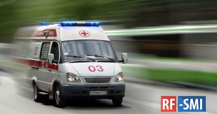 Из омской школы в больницу срочно увезли семерых детей