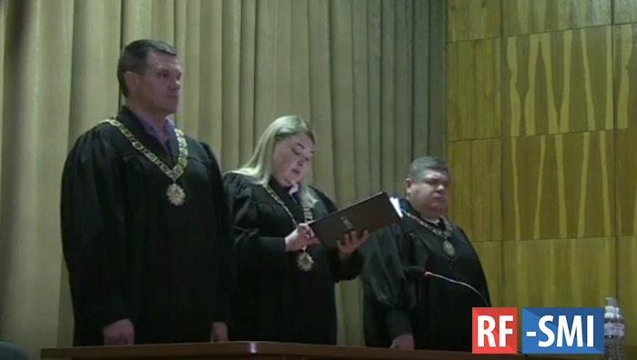На основании решения суда Зеленский продолжает президентскую гонку