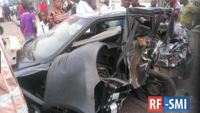В Нигерии сотрудник полиции врезался в группу детей церковного хора