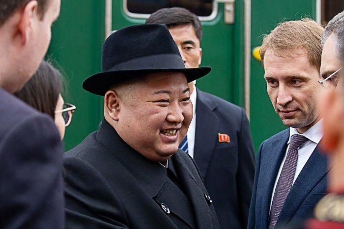 Лидер КНДР Ким Чен Ын на бронепоезде прибыл в Россию