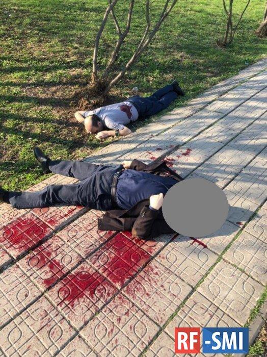 На юго-западе Москвы — стрельба возле метро. Двое погибших