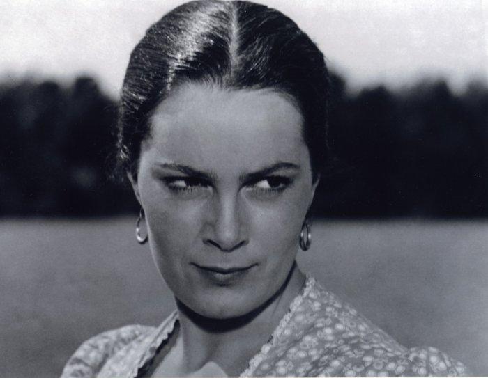 Скончалась народная артистка СССР Элина Быстрицкая.
