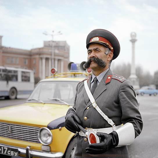 Мулло Нуров - самый честный гаишник Таджикистана