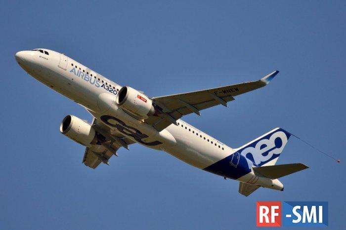 Самолет А320 совершил аварийную посадку в аэропорту Шереметьево