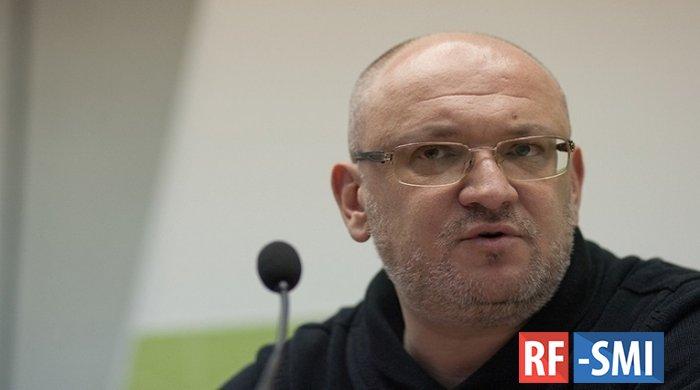Петербуржцы потребовали, чтобы Максима Резника лишили его депутатского статуса