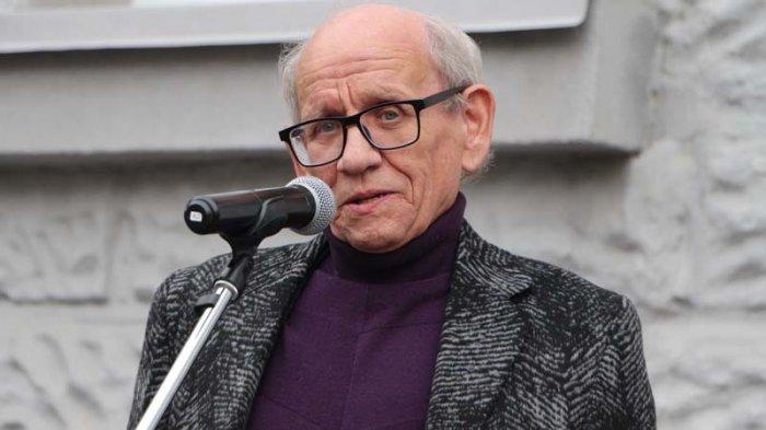 Худрук Саратовского ТЮЗа упал в оркестровую яму