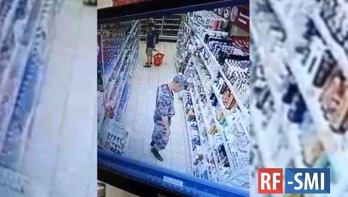 Бойцы Росгвардии попались на краже в сочинском супермаркете