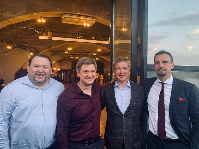 """Четверо украинских """"кандидатов в премьеры"""" сделали совместное фото"""