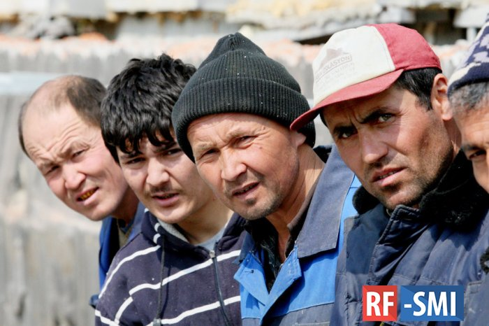"""Таджикистан - главный миграционный """"донор"""" России"""