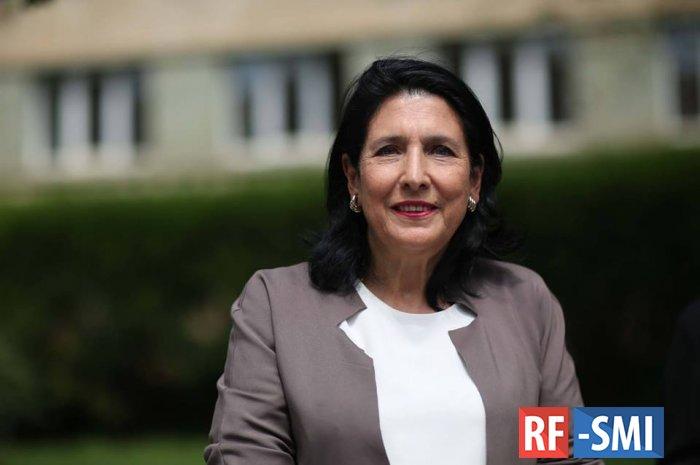 Президента Грузии могут оштрафовать за нарушение карантина