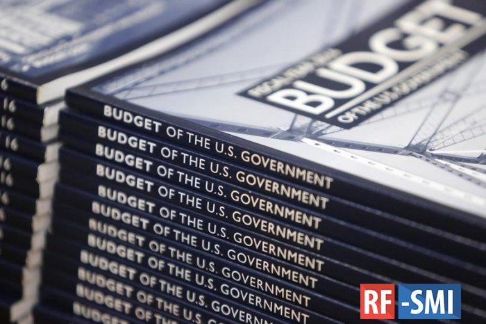 Дефицит бюджета США с начала 2020 финансового года превысил $2,8 трлн