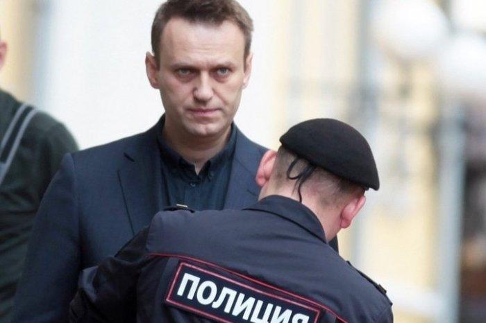 Навального опять задержали. Сколько суток на этот раз?
