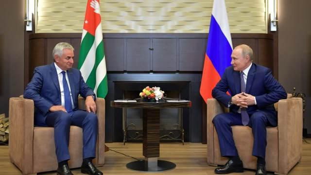 Рауль Хаджимба неизбежно проигрывает выборы президента Абхазии.
