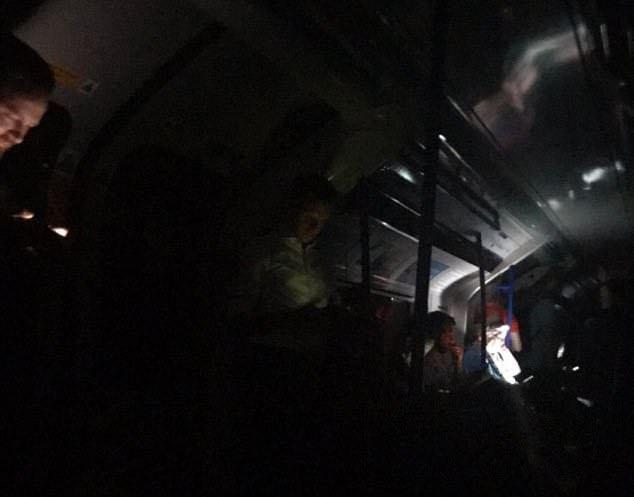 В Лондоне и его окрестностях внезапно пропало все электричество. Настоящий блэкаут