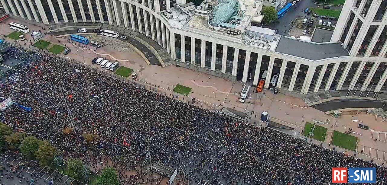 Сотрудники МВД, работавшие на московских митингах получили премии