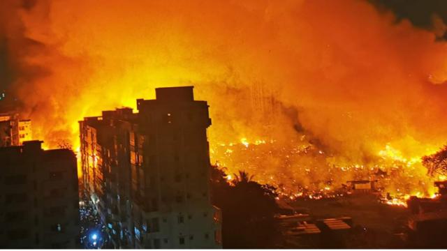 В столице Бангладеш масштабный пожар уничтожил 15 тысяч домов