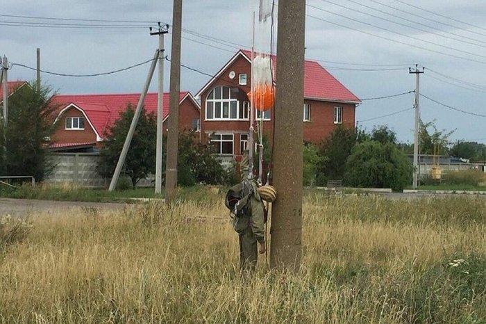 В Самарской обл. в селе Подстепки погиб 19-летний десантник-парашютист.