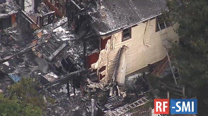 При падении самолета на дом в штате Нью-Йорк погиб человек