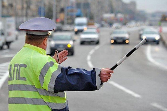 В Петербурге избили сотрудника ДПС при проверке документов