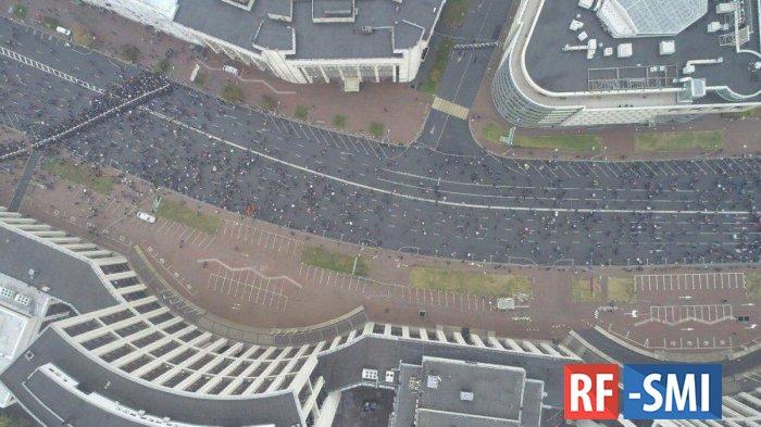 Около 20 тысяч человек участвуют в митинге в Москве