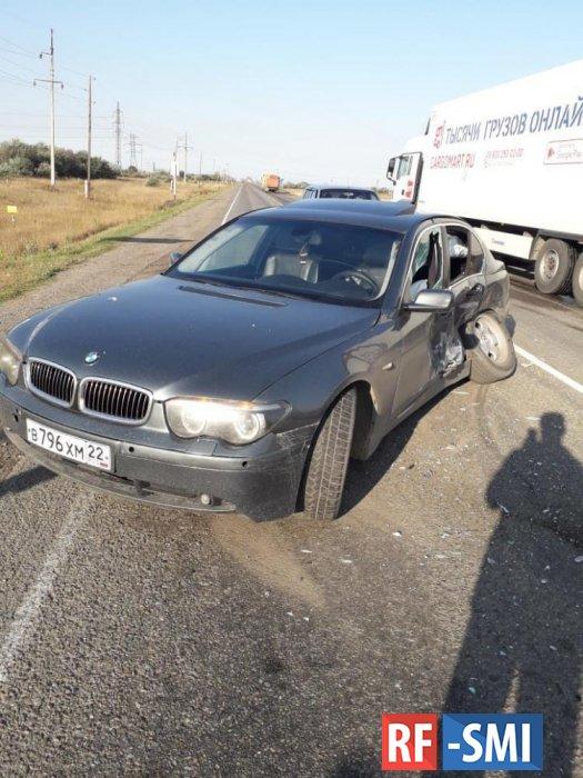 Два ребенка из Рубцовска  украли папин автомобиль и попали в аварию