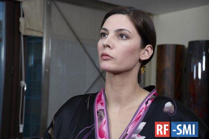 Актриса Вележева устроила дебош на борту самолета?